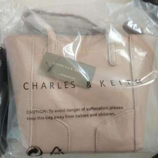 CHARLES&KEITH 包順豐站運費