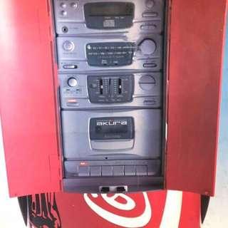 可樂控、靚聲王,大大罐CD,TAPE,RADIO 唱機、極品、全新、超好保養冇開封、可口可樂唱機、高48CM,闊26CM、兩個雙揚聲器在罐邊、奧運1996可口可樂、紀念換購版.