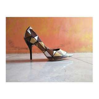 Heels pump