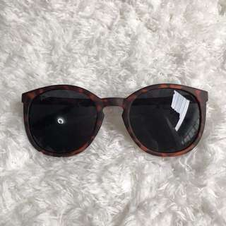 [Bnew] Sunnies Specs Sunglasses Shades