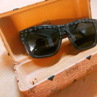 MCM unisex sunglasses