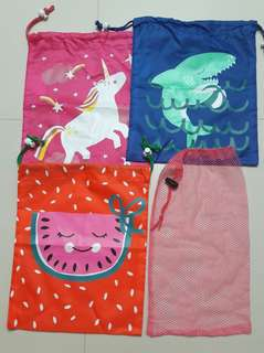 Drawstring pouch set
