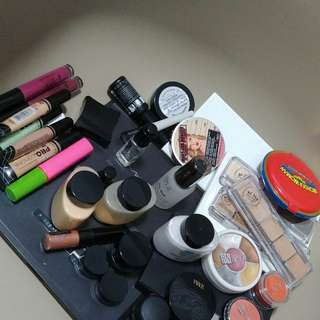 Clearing my pro makeup kit