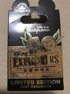 香港 迪士尼 徽章 Disney Pin Cast Exclusive Explorers Lodge 探索家酒店