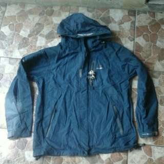 Jaket gunung outdoor Cougar bukan The North Face