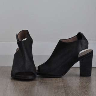 "Wittner ""Oscari"" Open Toe with Block Heel and Button Fastens [RRP $99.95]"