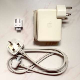Apple 85W Portable Power Adapter (Model: A1172)