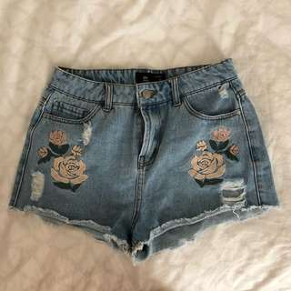 Denim shorts floral
