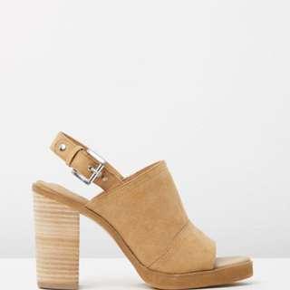 SPURR Tan block heel