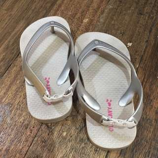 Preloved old navy sliver slippers size 8
