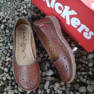 Sepatu Wanita Kickers kulit asli