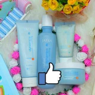 Soothing skin care set - cleanser, toner, day and night moisturisers
