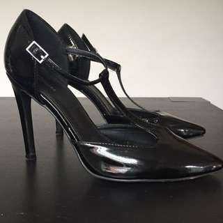 Spurr Black Patent T-Bar Heels size 7 - Retro / Pin Up
