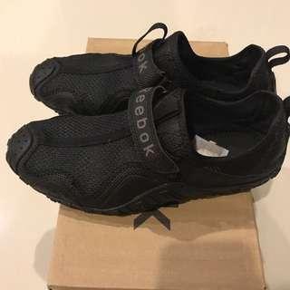 REEBOK sneakers size 40