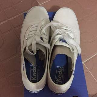 keds champion white canvass rubber shoes