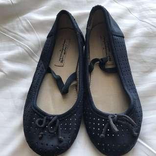 ZARA GIRL Doll shoe size 28