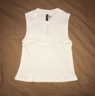 Like New! Atasan crop tee Divided H&M size s
