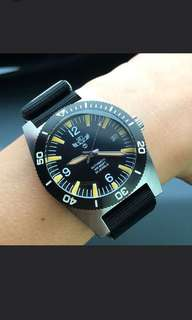 Military industries 1970s pattern automatic 24 jewels stainless steel divers watch