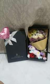 ($50)Romantic bouquet set