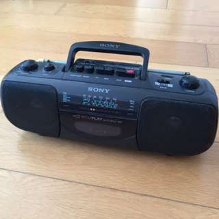Sony radio with cassette