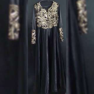 Gold sequien Black Jubah