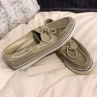 SPERRY - size 8.5 boat shoes