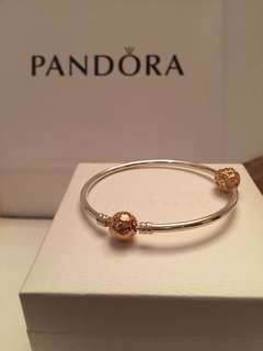 Pandora Moments Bangle with Pandora Rose Clasp Gift Set