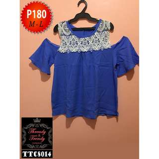 Blue bakuna blouse with lace details