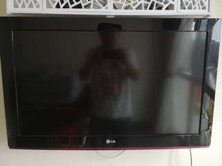 LG 32 inch Full HD LCD TV 32LD330