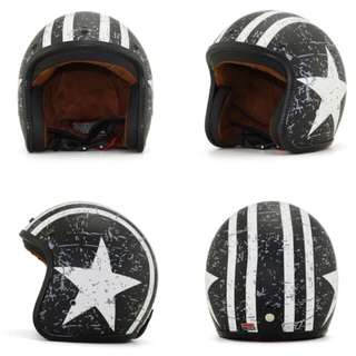 Black with White Racing Stripes and Star Motorcycle Helmet Open Face Three Button Snap Retro Vintage Vespa Scooter Cafe Racer Motorbike Leather Gloss Old School Harley Davidson