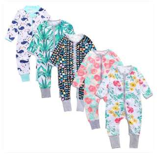 Zip baby romper / pajamas / long sleeve