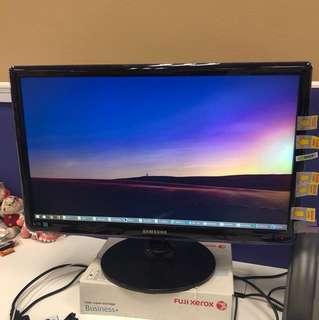 Samsung LED Monitor- syncMaster SA350