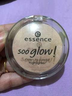 ESSENCE soo glow cream to powder highlighter