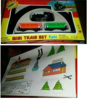 70-80年代港製火車玩具。全新存貨。盒略残。 郵寄交收。包平邮  120元