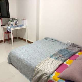 New furnished flat common room for rent! 1-2min walk to Keat Hong LRT !