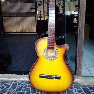 Gitar guitar yammaha F6 225