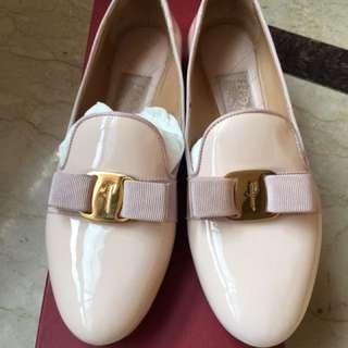 Ferragamio粉色36.5號鞋