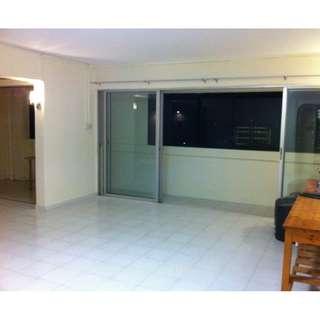 5-Room Flat for Rent (Alexandra Area)