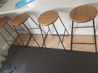 4 bar stools in great condition
