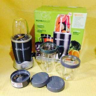 Nutribullet 600w with Manual & Recipe Book