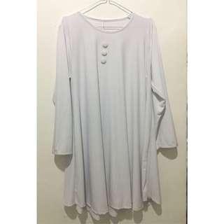Kaos putih panjang