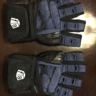 FREE SHIPPING within Metro Manila : Weightlifting gloves - Medium