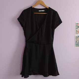 Short black relaxed dress