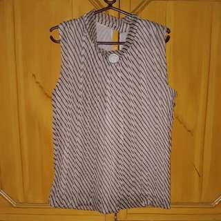Sleeveless top (s - m)
