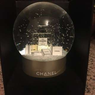 Brand New! Chanel Snow Globe 水晶球 ❄️