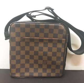 LV Damier Canvas crossbody bag (Louis Vuitton)