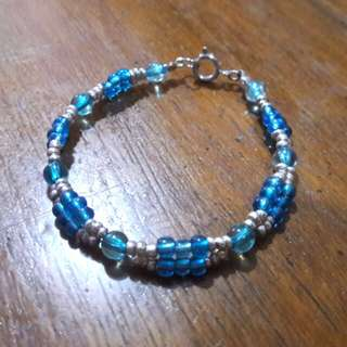 Light blue and silver beads bracelet