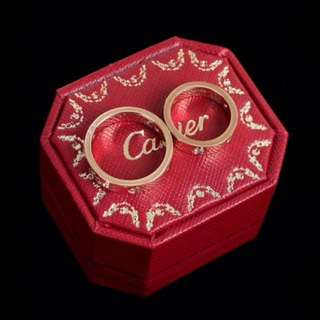 Cartier 卡地亞經典戒指系列 男士周長60mm,直徑19.05mm 女士周長52MM.直徑16.50MM