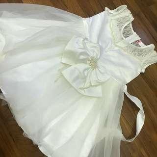 Flower girl white dress kiddy wedding