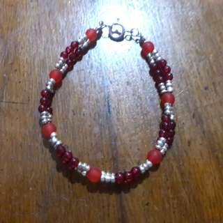 Red and silver beads bracelet